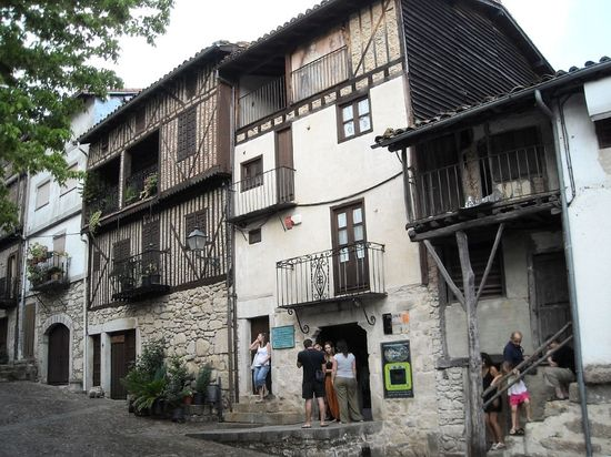 1280px-Museo_Etnografico,_Mogarraz Cruccone wiki