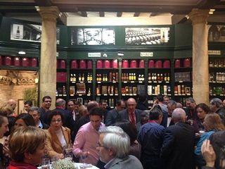 Reunión de los participantes en la bodega y restaurante Casa Montal
