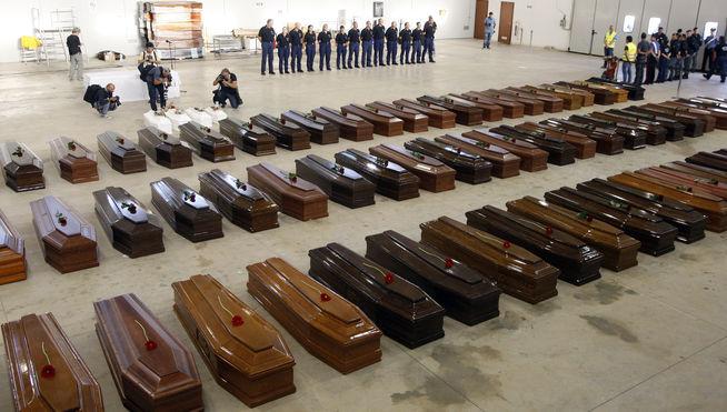 Cadaveres-recuperados-Lampedusa_MDSVID20131007_0038_3