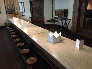 La famosa mesa comunal del Hostal Landa procedente de un monasterio mallorquín