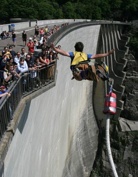 Los 10 saltos de 'puenting' más bestias del mundo >> Paco Nadal >> El Viajero >> Blogs EL PAÍS