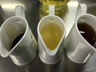 Aceite, vinagre de vino y vinagre balsámico