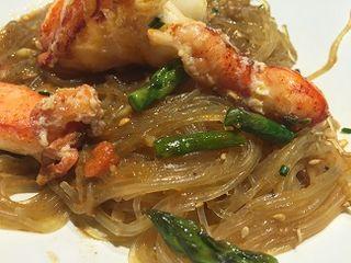 Noodles de bogavante y trigueros