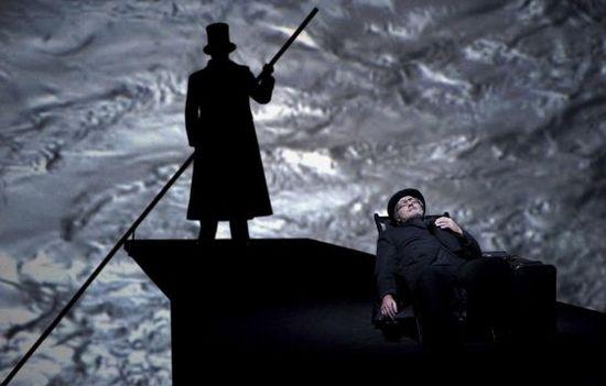 La dirección escénica del montaje en el Teatro Real de Madrid de Muerte en Venecia ha corrido a cargo del alemán Willy Decker Javier del Real
