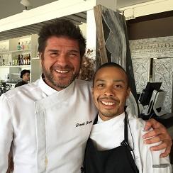 David Reartes junto Lisardo Reyes,  su jefe de cocina en el restaurante de Ibiza LipsReartes