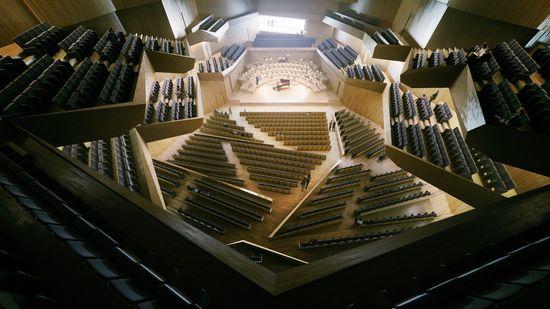 4.Philharmonica de Angers (Francia)_Kengo Kuma & Associates 2013