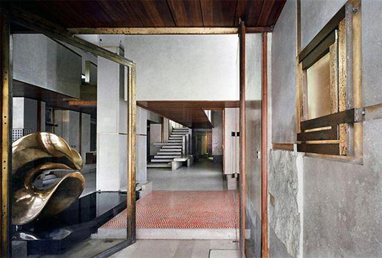 Olivetti-Showroom-by-Carlo-Scarpa-Venice-02