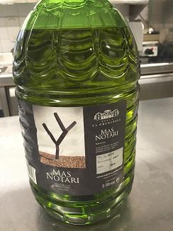 Aceite de oliva  virgen extra de aceitunas arbequinas, para rociar las patatas cocidas al vapor