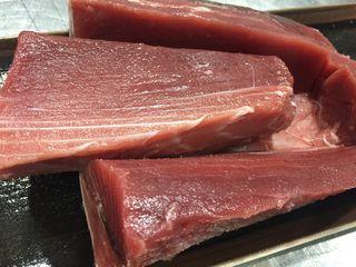 Cola blanca del atún