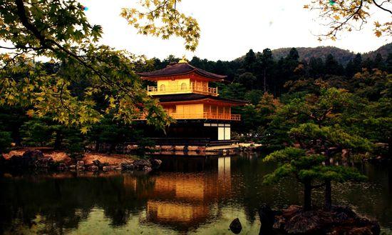 Pabellón dorado Kioto Isidoro Merino