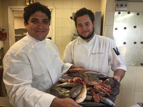 Mauro Colagreco con su jefe de cocina Ricardo Chaneton