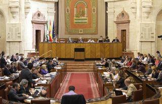 Parlamento-andaluz-pide-gobierno-reforma-legislativa-permita-entregar-vivienda-pago-hipoteca_1_661932