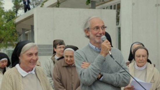 Renzo-Piano-et-les-Clarisses-de-Ronchamp-inaugurent-leur-nouveau-monastere_article