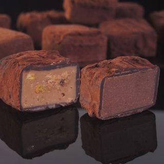 Trufas de chocolate variadas, gran aspecto al corte