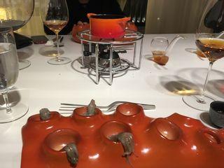 DIVERXO Primer vuelco del cocido madrileño, un sabu sabu de pulpitos