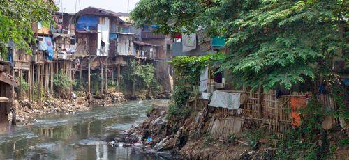 Cases river Ciliwung Tere Garcia