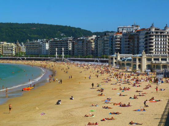 8. La Concha Beach (2)a1