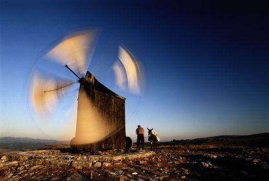 Molino de viento en la comarca esencialmente agrícola de las Beiras, situada en el centro de Portugal y entre los ríos Duero y Tajo. PAULO MAGALHAES