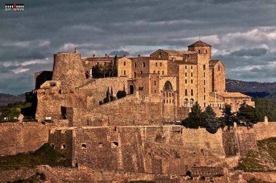 El-Castillo-de-Cardona-donde-s_54310667373_54028874188_960_639