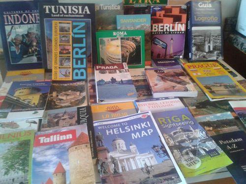 El Verso Suelto @el_versosuelto  2 minhace 2 minutos @paconadal Hola Paco, hay va una parte de mi colección de guias y mapas turísticos, algunas de más de 20 año