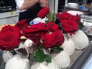 Frontal del escenario, las rosas comestible de Dacosta
