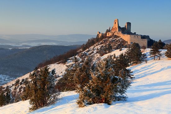 1353925947_cachtice-caslte turismo de eslovakia