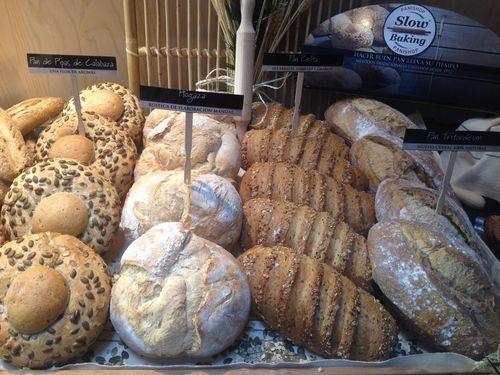 Bodegón a la entrada del I Simposio del pan