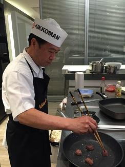 El cocinero Hayamizu  en plena faena