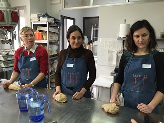 Alumnas en la escuela de panadería