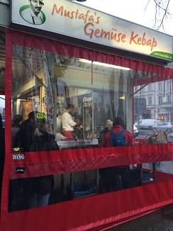 Mustafa´s, chiringuito de calle, para muchos los mejores döner kebab de pollo de Berlin