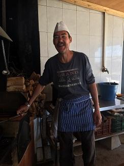 Miguel, el actual cocinero, yerno de Juan Ferrer