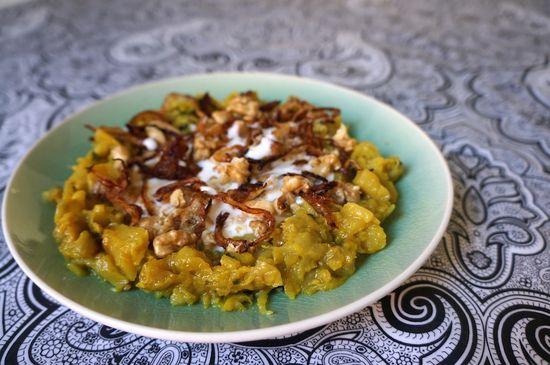 Berenjenas iranies con cebolla frita y nueces
