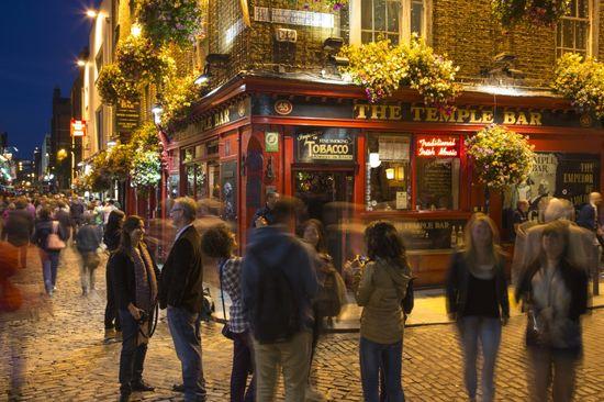 Temple Bar Dublín Holger Leue Corbis