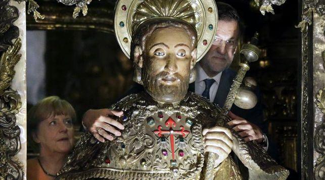 Rajoy-Merkel-adelantan-catedral-Santiago_EDIIMA20140825_0183_14