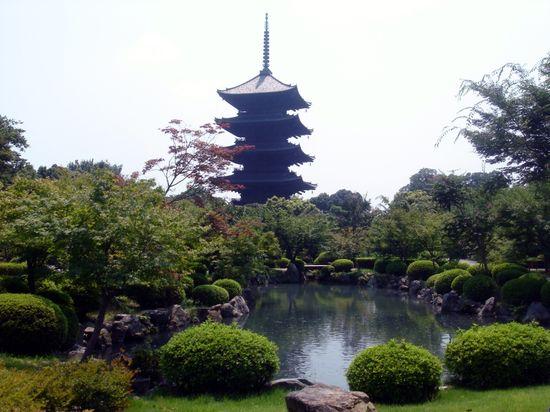 Japan_2006_-_Kyoto_-_Toji_Pagoda