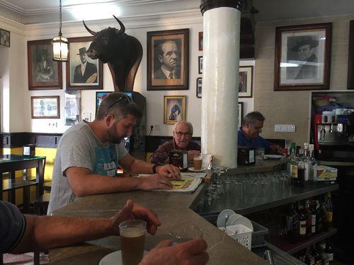 Barra de el bar Volapié en Jerez
