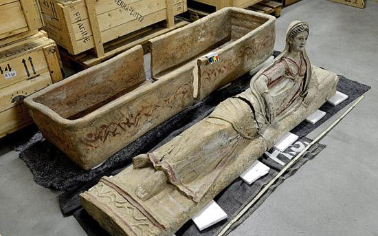 Aparece en Suiza un tesoro expoliado de arte etrusco >> Con arte y sonante >> Blogs EL PAÍS