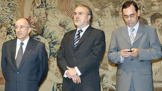Negocio de la banca en España. El gobierno avala a la banca privada por otros 100.000 millones. Cooperación sindical.  - Página 7 6a00d8341bfb1653ef01b8d1b7ebd7970c-550wi