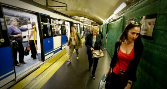 Carmena en metro