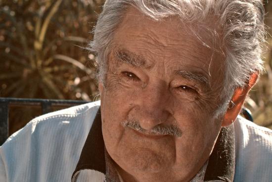 00 fragil equilibrio mujica
