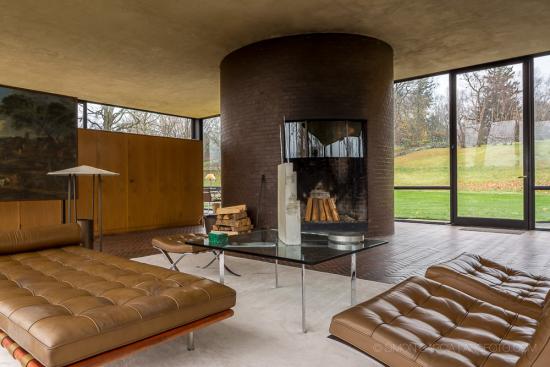 Glass-House-Philip-Johnson-24-SG1529_3656-2
