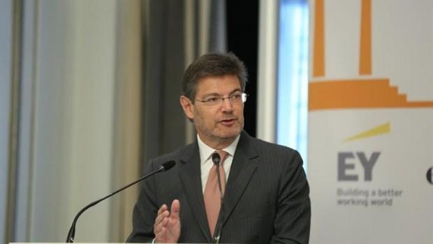 Ep_ministro_rafael_catala_participaun_desayuno_coloquieconomista_620x350