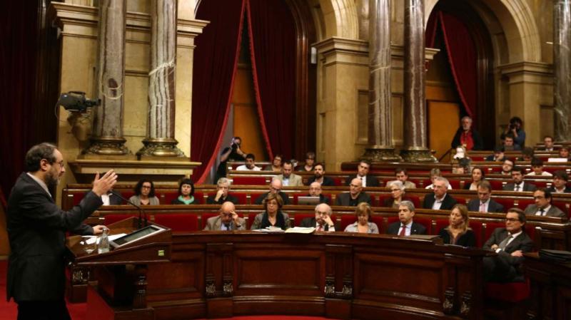 De-los-pasos-perdidos-al-tiempo-perdido-en-el-parlament-de-catalunya