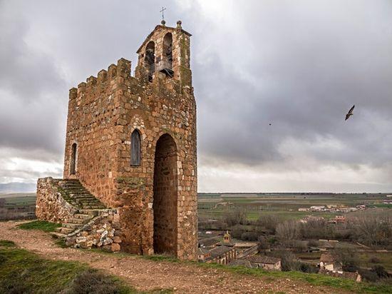 Torre_Vigía_La_Martina_(Ayllón-Segovia) Wikimedia