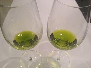Precioso color verde de dos aceites, Oro Bailén, y Castillo de Canena Royal