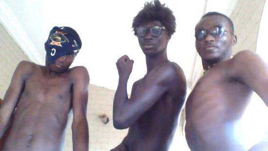 Algunos integrantes de papounigang
