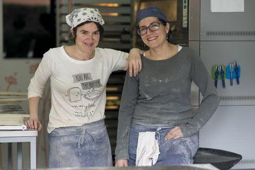 Beatriz Echevarría a la izquierda con su socia Susana Gaona en el Horno de Babette
