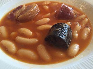 Plato de la fabada ganadora de El Ñeru