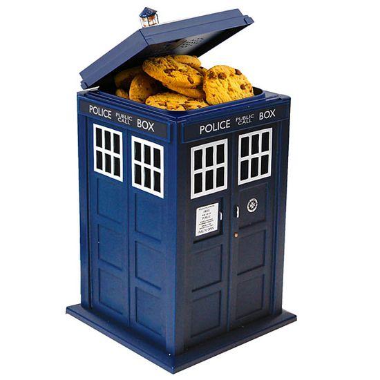 Dodd_doctor_who_tardis_talking_cookie_jar