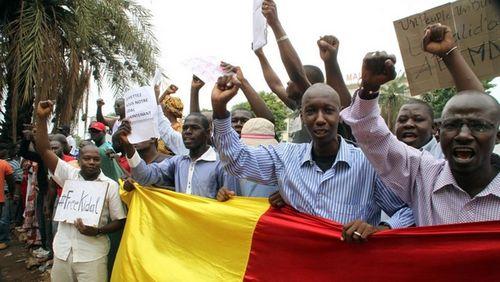 Manifestants-contre-france-et-MINUSMA